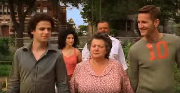 Angelo, keluarganya dan pacar barunya