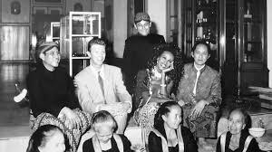David Bowie di Istana Mangkunegara sumber foto : femina