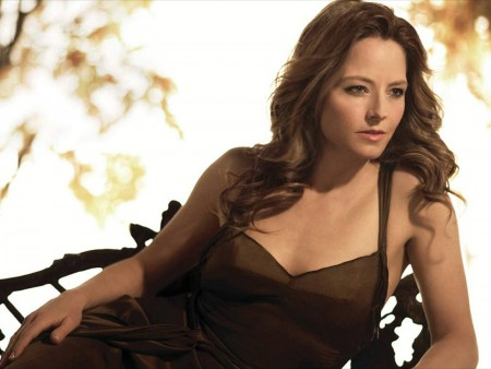 Jodie Foster sumber : Wallpapers111.com