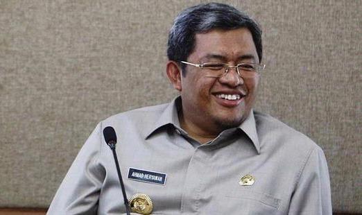 Ahmad Heryawan, Gubernur Jawa Barat Sumber : berita2bahasa.com