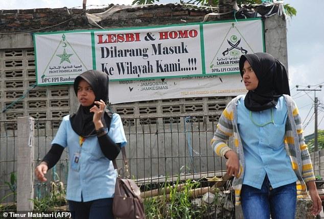 Spanduk Menolak LGBT di Bandung