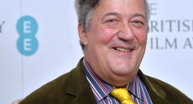Stephen Fry Sumber: pinknews