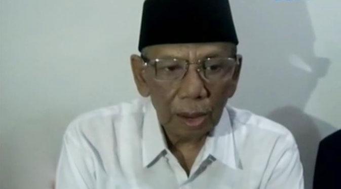 KH Ahmad Hasyim Muzadi. Pengasuh Pesantren Mahasiswa Al-Hikam, Anggota Dewan Pertimbangan Presiden RI Sumber : walisongoonline