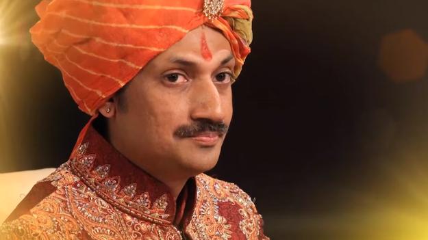 Pangeran Manvendra Singh Gohil, Putra Mahkota Maharaja Rajpipla di Gujarat.