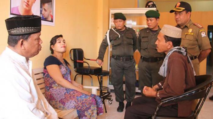 Razia di salah satu Salon di Aceh Barat Sumber : trinunnews
